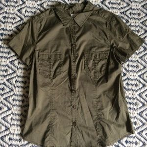 Olive button-up tailored-style shirt, 100% cotton